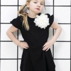 Rochie Neagra cu Floare Aplicata