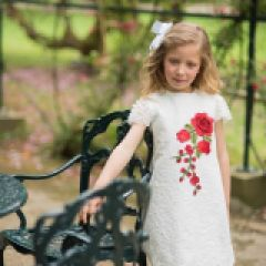 Rochie Dantela cu Floare Brodata Aplicata